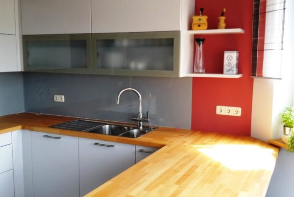 Küchenrückwand grau